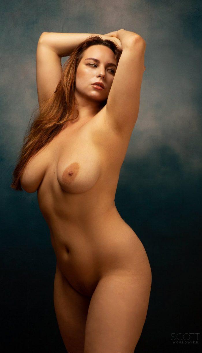 Photographer Scott Worldwide taking beautiful erotic photos