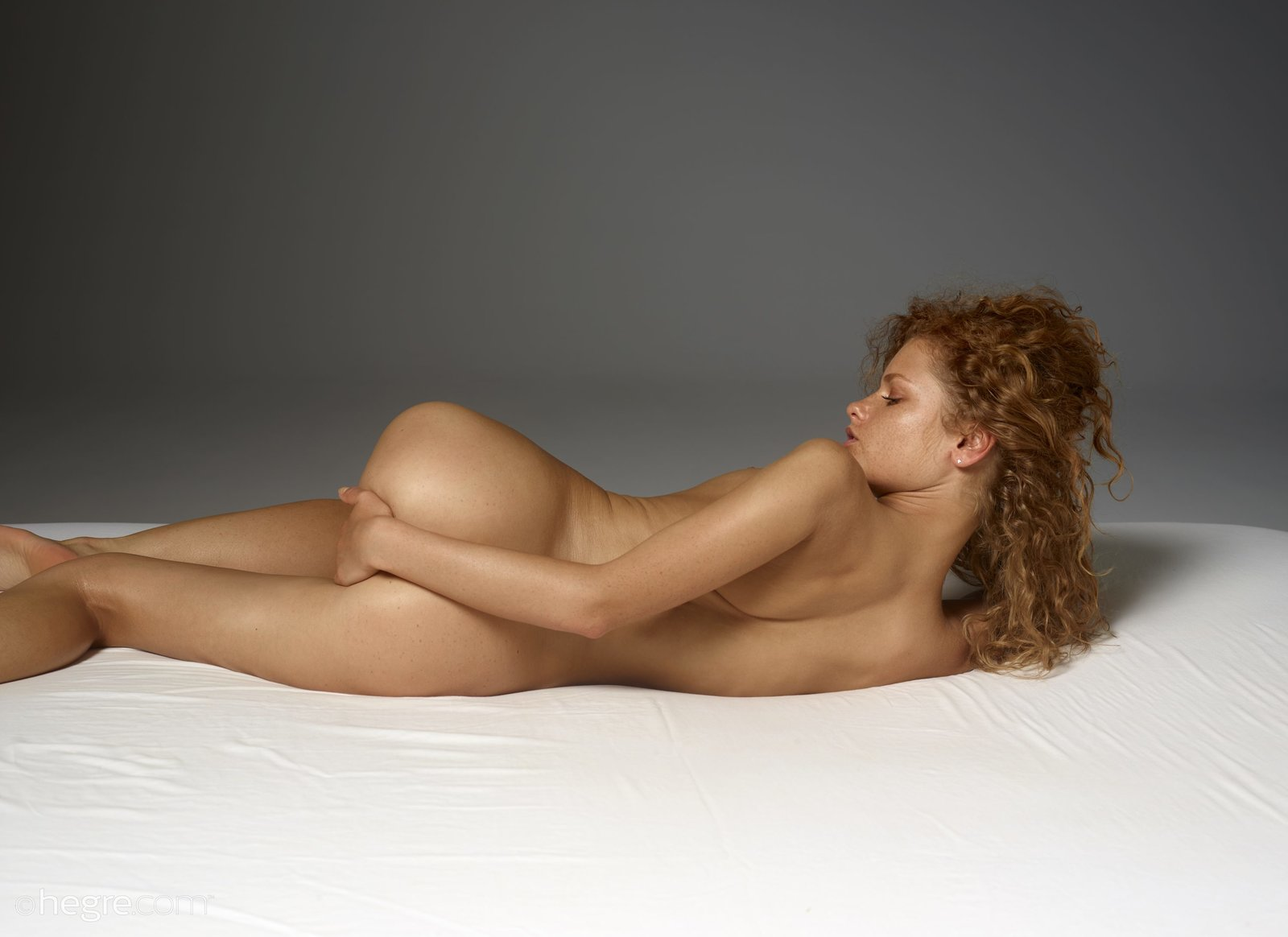 Clarice Nude In Naked Lounging