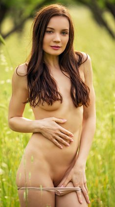 Janeth Tense Nude Outside