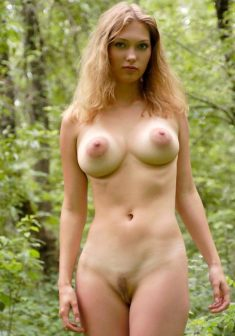 Cute girl shows outdoors nice big tits and and a sweet pussy