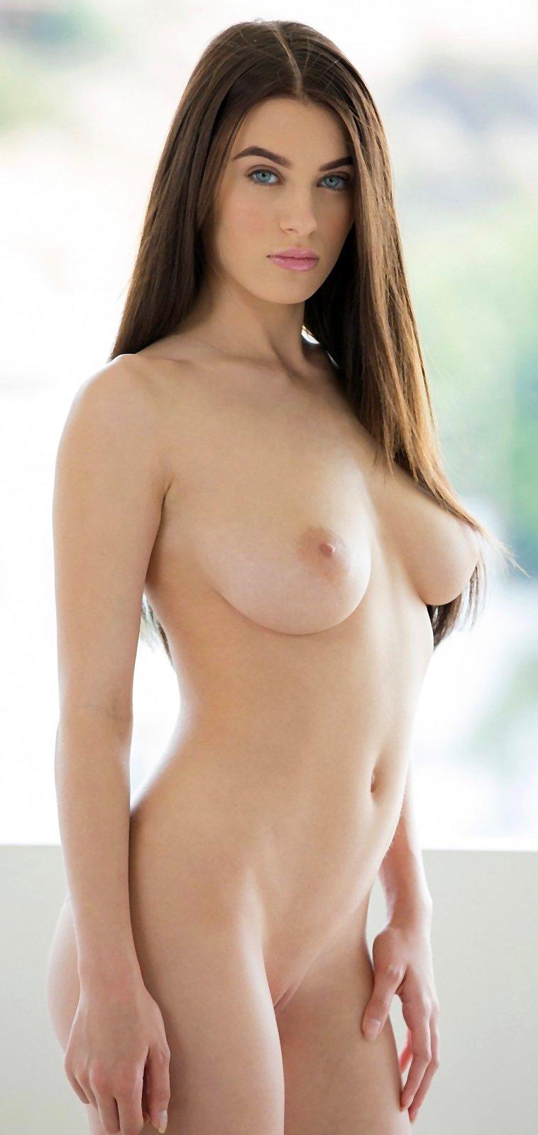 Gorgeous busty brunette Lana Rhoades on Babepedia